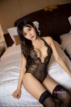 [秀人网XiuRen] N01658 丰乳美臀饥渴少妇Cris_卓娅祺奢华黑色透视内衣宾馆半裸艺术私拍 50P