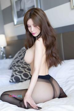 [秀人网XiuRen] N01623 热辣电眼尤物张雨萌吸睛魅力镂空内衣冷酷半裸人体写真 51P