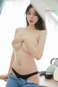 [秀人网XiuRen] N01698 清秀香乳长发尤物YUNDUOER紧身包臀牛仔裤高挑清凉 54P