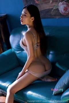 [秀人网XiuRen] N01725 辣臀长发御姐汁汁惊艳性感内衣风情写真 47P