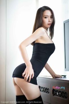 [秀人网XiuRen] N01720 魅惑骨感翘臀女郎梦心月紧身包臀齐b短裙极致性感写真 80P