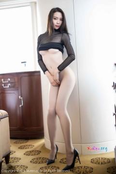 [秀人网XiuRen] N01805 香臀玉腿大姐姐梦心月火爆齐b包臀短裙魔鬼身材惊艳私拍 88P