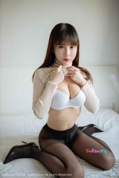 [秀人网XiuRen] N02044 娇羞丰乳宝贝悠悠酱yoyoyo室内诱人半裸真空黑丝写真 38P