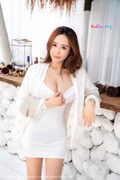 [秀人网XiuRen] N02121 雪肌大胸长发女模周井空吸睛大白馒头妩媚热辣户外写真 40P